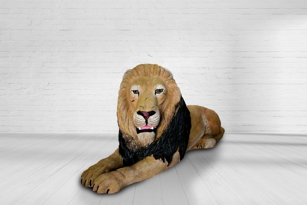 Asen Löwe liegend
